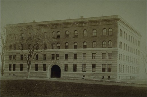 "Modeled after a ""Florentine palace,"" Brown was last desirable in the 1890s, when this picture was taken."