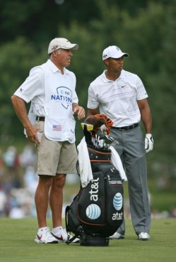 What do you call it when Tiger Woods and his caddy argue about which golf club to use? It's multi-club bicker!